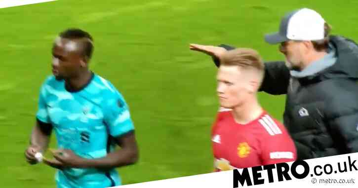 Jurgen Klopp reacts to being shunned by Sadio Mane after Manchester United win