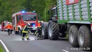 Brand entpuppte sich als Kolbenschaden: Feuerwehr streut bei Uslar Motoröl ab - HNA.de