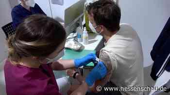 Video: Impfnacht in Heusenstamm | hessenschau.de | Gesellschaft - hessenschau.de