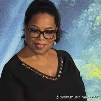 Oprah Winfrey cringes at 'inappropriate' Sally Field interview question