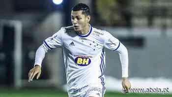 Agente revela contactos com o Benfica e o FC Porto sobre lateral do Cruzeiro - A Bola