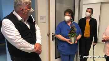 Gesundheit: Mit Blumen auf die Intensivstation in Strausberg - Internationaler Tag der Pflege - moz.de