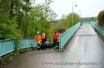 Großeinsatz in Uhingen - Rettungskräfte bergen Leiche aus der Fils - Stuttgarter Nachrichten