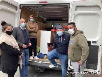 Carbon-Blanc : les habitants viennent en aide à un couple qui a tout perdu dans l'incendie de sa maison - Sud Ouest