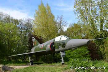 Le Mirage III R de Buc retrouve sa « cocotte » et ses couleurs - Aerobuzz - AeroBuzz.fr