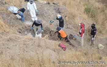 Rescatan 10 cuerpos más de fosa clandestina en Juventino Rosas, Guanajuato - La Prensa