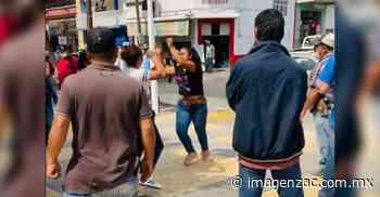[VIDEO] Se pelean por la plaza vendedoras de pitayas en Jalpa - Imagen de Zacatecas, el periódico de los zacatecanos