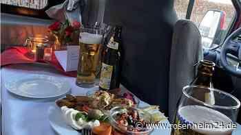 """Essen gehen trotz Corona: Den Trend """"Wohnmobil-Dinner"""" gibt es auch in der Region Rosenheim"""
