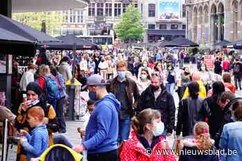'Code rood' in Gent-centrum: volle parkings, drukke winkelstraten en volle terrassen