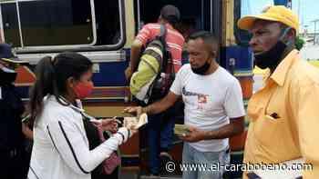 Habitantes de Güigüe esperan de 1 a 2 horas por transporte en parada Firestone - El Carabobeño