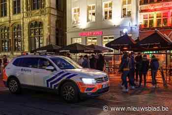 Politie deelt boetes uit op drukke avond in Gent, twee mensen gearresteerd - Het Nieuwsblad