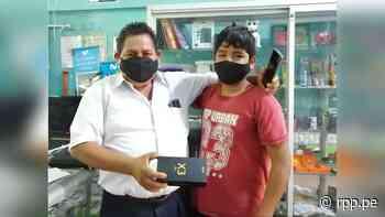 Junín: Profesor cumple su objetivo y dona celular a escolar de Satipo tras organizar una pollada - RPP Noticias