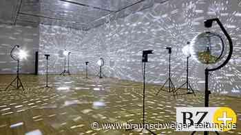 Wolfsburg zeigt Lichtkunst eines Lichtskeptikers