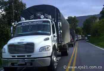Camioneros dejan pasar viveres entre Pereira y Santa Rosa de Cabal - Eje21