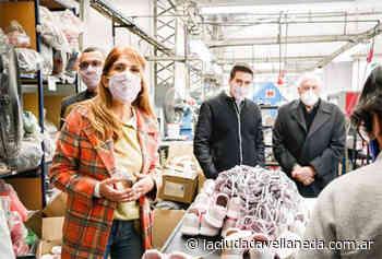 Magdalena Sierra visitó la fábrica Plumita´s en Gerli - Diario La Ciudad de Avellaneda