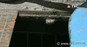 Solicitan reposición de tapa de alcantarilla en La Tola Alta - tvc.com.ec