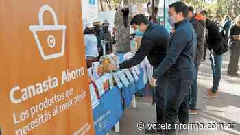 Actualidad Canasta Ahorro y Mercado Activo, en el playón de la estación Varela - varelainforma.com.ar