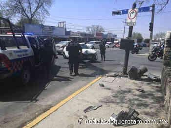 Distraído conductor protagoniza aparatoso accidente en San Juan del Rio - noticiasdequeretaro.com.mx
