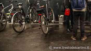 Parma, gli rubano la bici e provano a rivendergliela: in due in manette - il Resto del Carlino