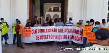 Policías jubilados y viudas toman el Ayuntamiento de Culiacán, ahora por 'moche' del finiquito - Noroeste