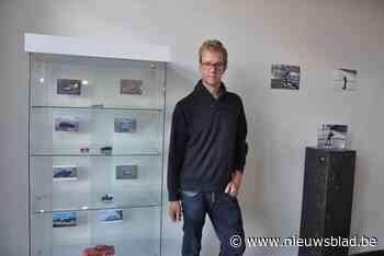Peter Declerck stelt foto's tentoon van miniatuurspeelgoed