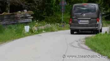 Bad Endorf hat bald eine Straße weniger - Grundbesitzer baut Verbindungsstraße nach Kurf zum Teil zurück