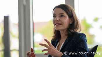 Bürgermeisterwahl Maintal: Amtsinhaberin Monika Böttcher tritt wieder an - op-online.de
