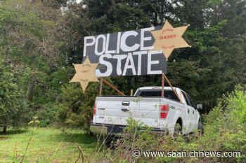 Sign in North Saanich warning of police state gone – Saanich News - Saanich News