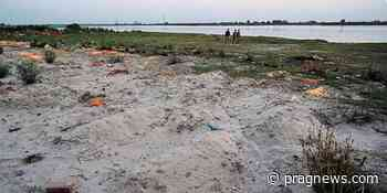 More than 2000 bodies washed away in Ganges in UP - Prag News