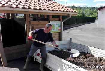Cambo-les-Bains : la cantine scolaire Jantegi relance sa distribution de compost - Sud Ouest