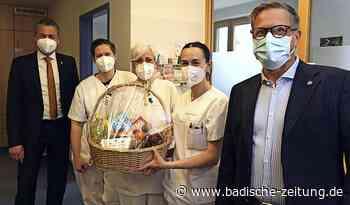 99 Obstkörbe zum Internationalen Tag der Pflege - Offenburg - Badische Zeitung
