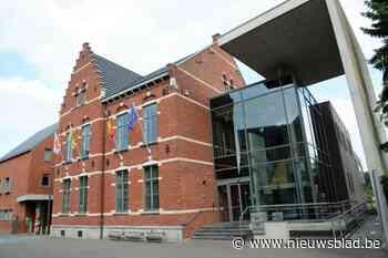 Minister stuurt avondklok voor gemeenteraad terug naar af - Het Nieuwsblad
