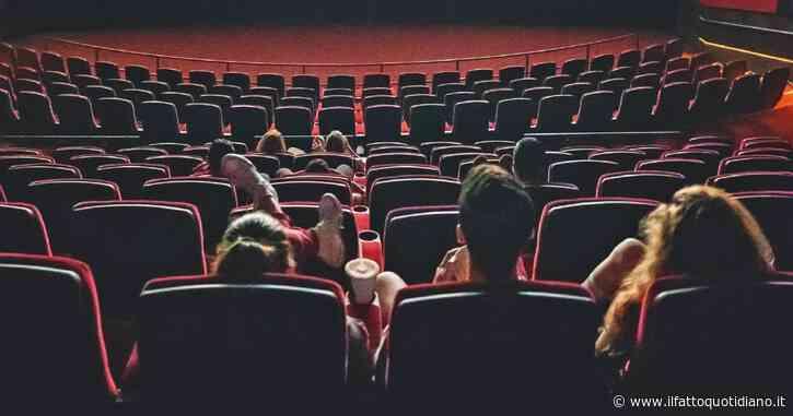La riapertura dei cinema ci accoglie e risolleva. Come un racconto di Kafka, o un film di Fellini
