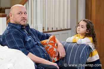 'United We Fall' Creator on Bringing Seth MacFarlane-Style Humor to a Traditional Family Sitcom - TheWrap