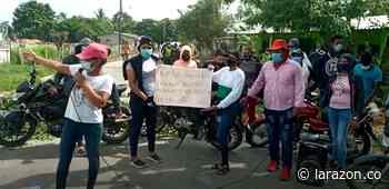 Cansados por la falta de agua potable, comunidad rural de Cotorra bloqueó vía - LA RAZÓN.CO