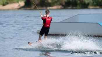 Schermützelsee - Wasserski- und Wakeboardanlage in Buckow auf Eis gelegt - rbb24