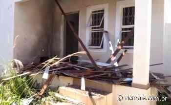 Família de policial militar sofre atentado a bomba em Porecatu; vídeo - RIC Mais
