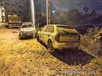 Polícia Militar acha carro roubado em Caratinga e abandonado em Monlevade - DeFato Online