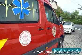 Carro e moto sofrem acidente, no centro da cidade - Jornal de Pomerode