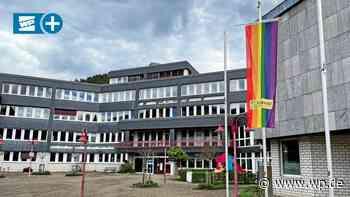 Lennestadt hisst Regenbogenflagge – Wenden lehnt ab - WP News