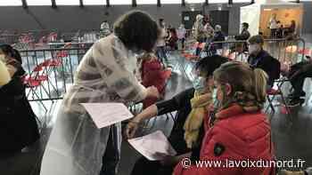 Saint-Laurent-Blangy : première nocturne et affluence record au centre de vaccination d'Artois Expo - La Voix du Nord