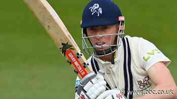 Kent batsmen Leaning and Crawley frustrate Sussex