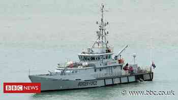 Migrant crossings: Almost 200 people cross English Channel