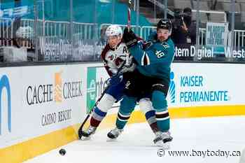 MacKinnon on track to return for Game 1 against Blues