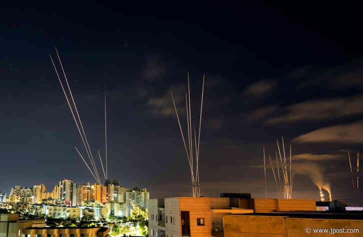 Fresh rocket barrage targets central Israel after Hamas threat
