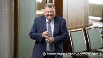 Facebook banning MPs is contempt of parliament: Craig Kelly - Western Advocate