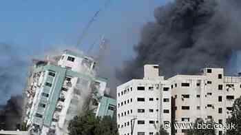 Gaza tower containing media offices collapses after Israeli strike