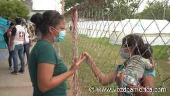 Enfermera venezolana ayuda a los desplazados en Arauquita - Voz de América