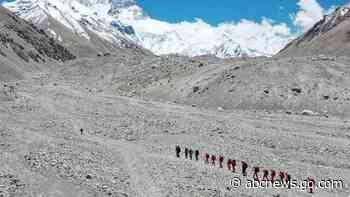 China cancels Everest climbs over fears of virus from Nepal