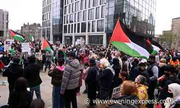 Hundreds of people turn out in Aberdeen to protest violence against Palestine - Aberdeen Evening Express